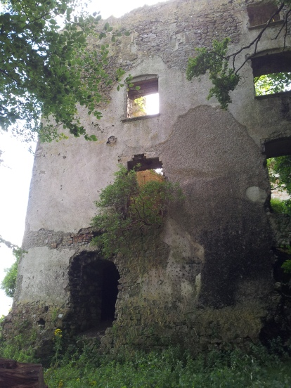 19. Dangan Castle