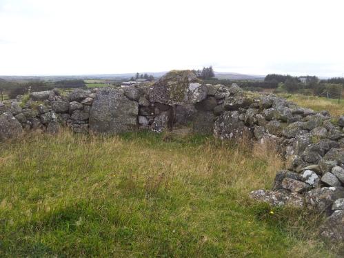 01.Creggandeveskey Tomb